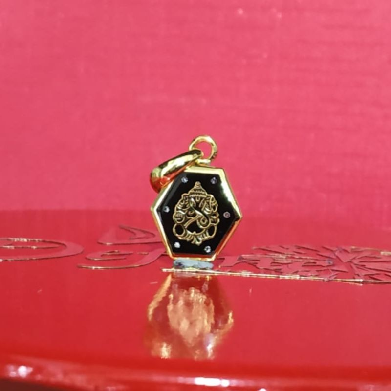 Ganesha God pendant in Katargam Jewellers Surat